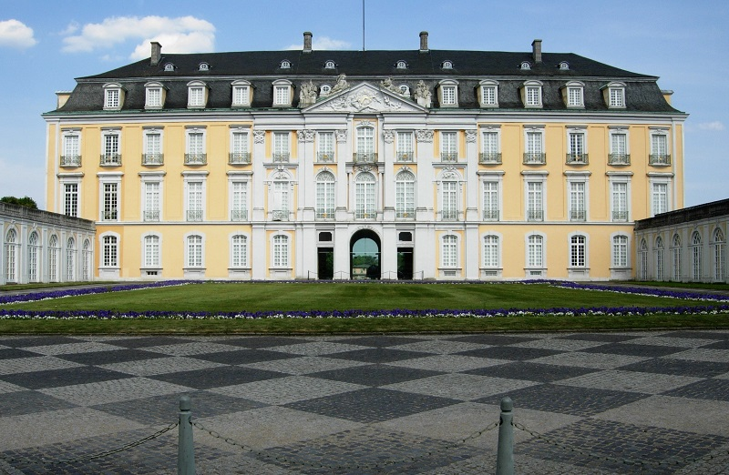 Castles of Augustusburg and Falkenlust at Brühl | viajeras.com