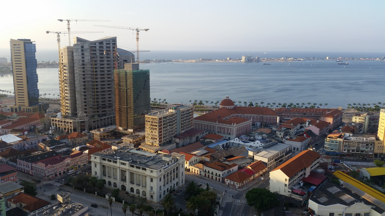 Travel to Luanda in Angola | viajeras.com