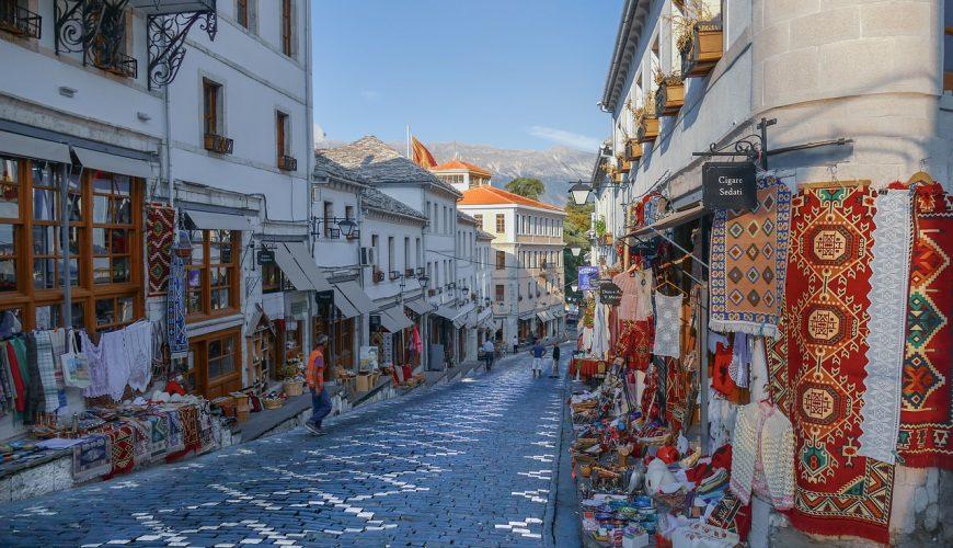 Travel to Gjirokaster in Albania   viajeras.com