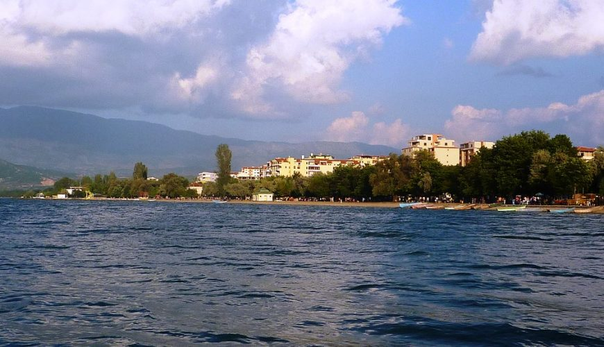 Travel to Pogradec in Albania | viajeras.com