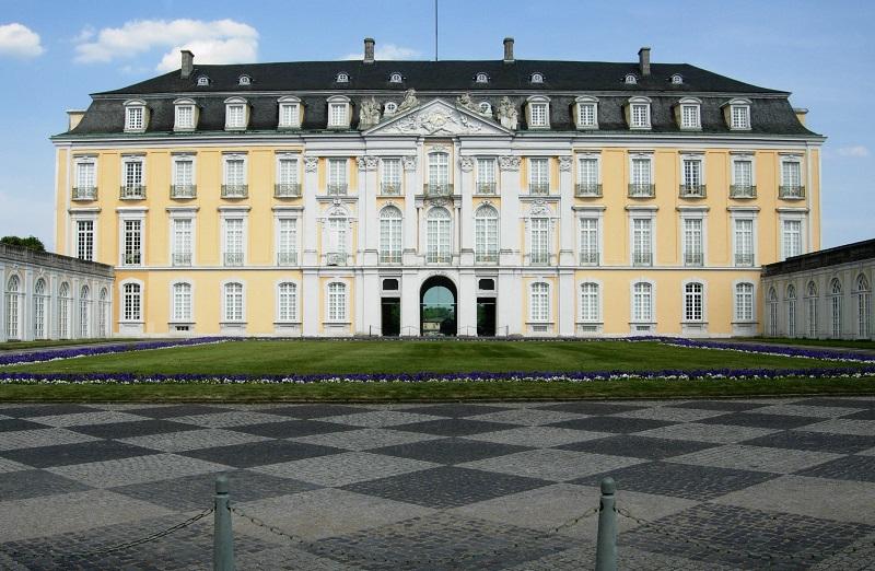 Castillos europeos de Augustusburg y Falkenlust en Brühl   viajeras.com