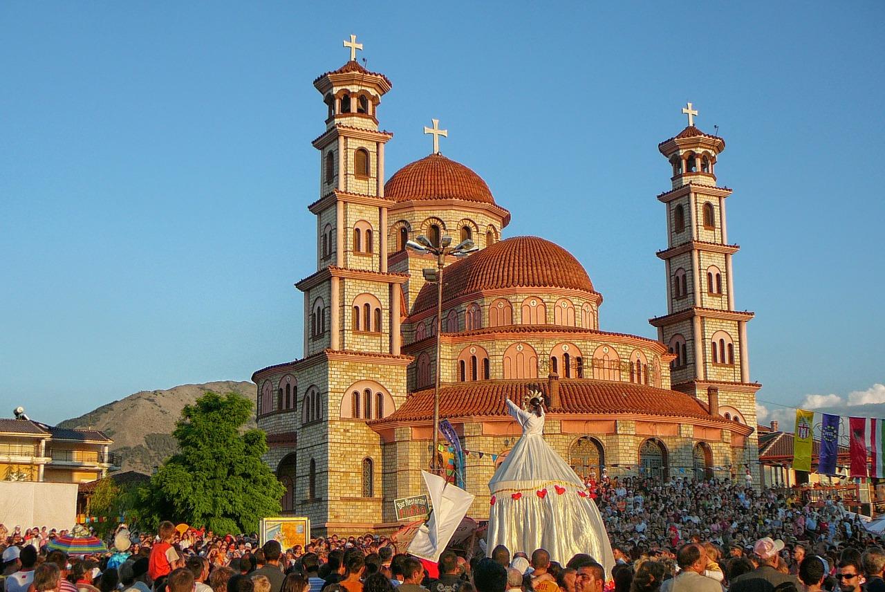 Viaje a Korce en Albania   viajeras.com