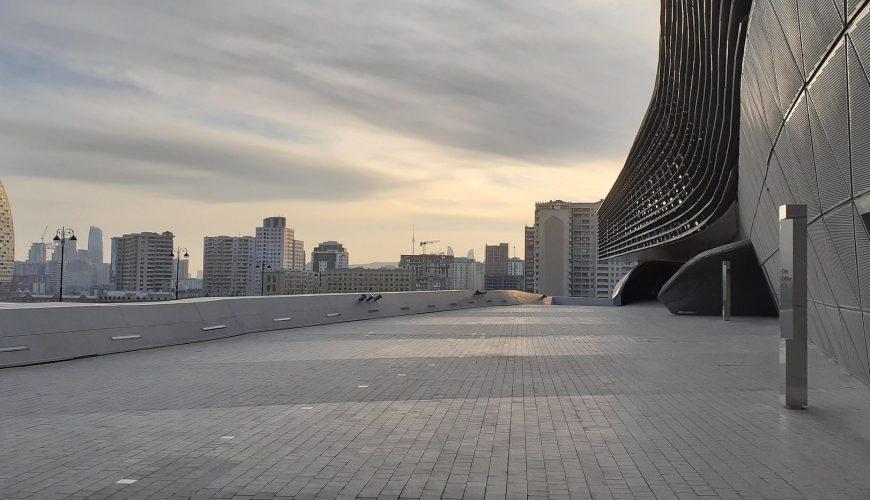 Viaja a Baku en Azerbaiyán | Viajeras